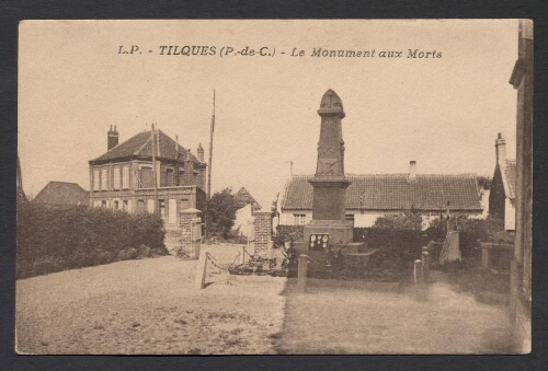 Tilques (P.-de-C.) : Le Monument aux Morts